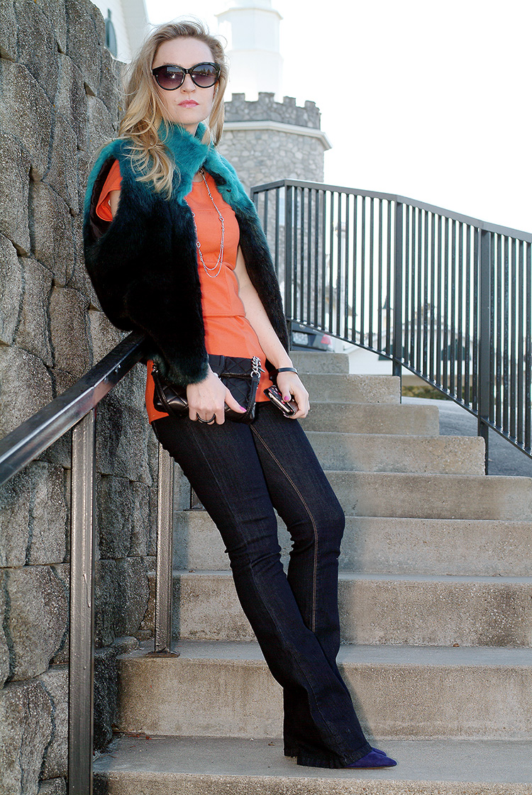 Blogger Style: Orange Top Jeans and navy blue and turquoise vest