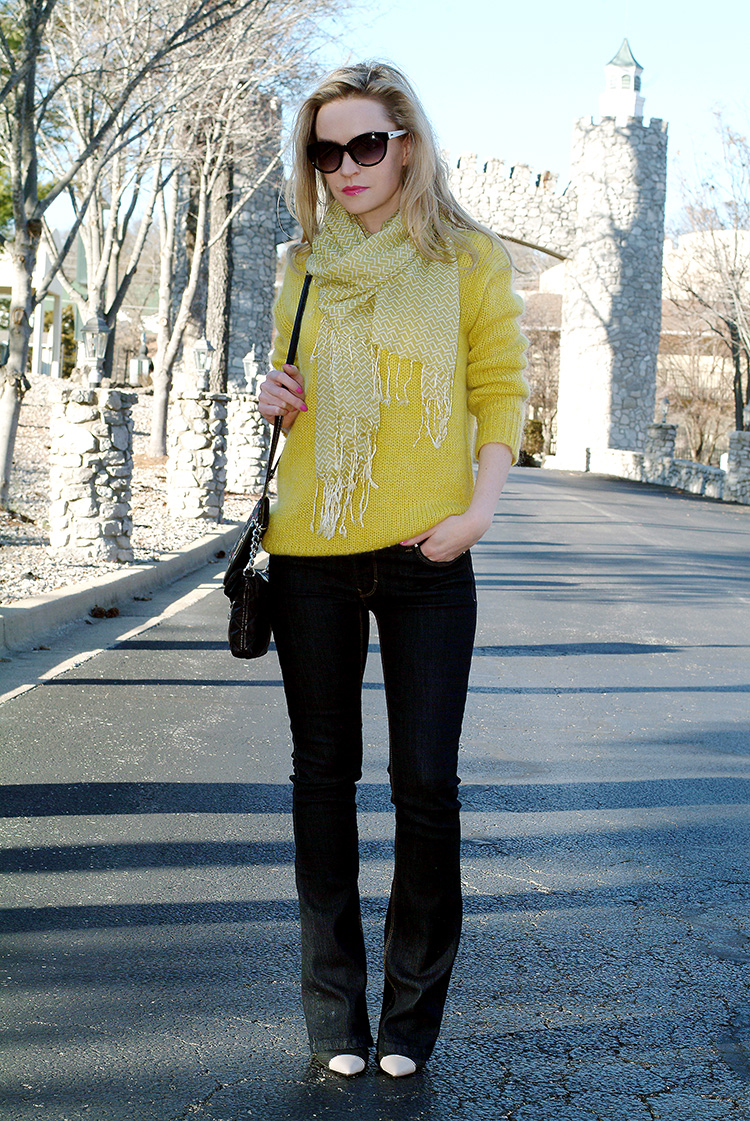 Spring Style by AnnRobieFashion: Yellow chunky oversized sweater and jeans