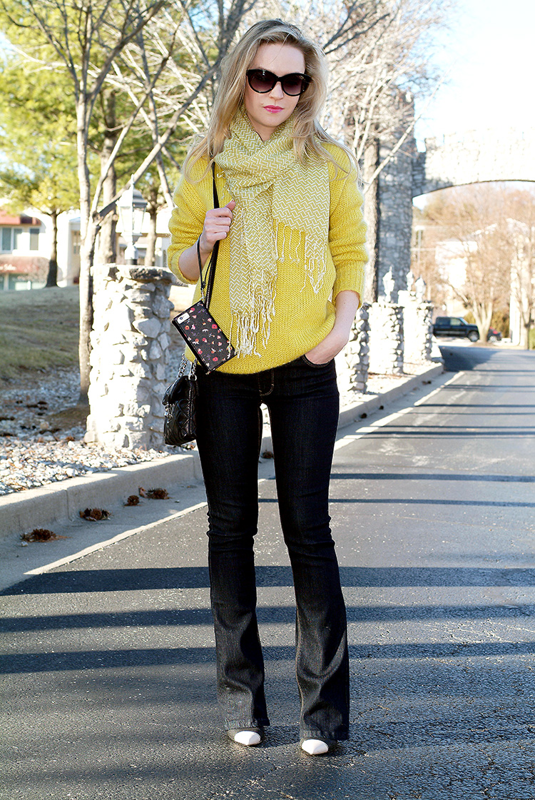 Blogger Style by AnnRobieFashion: Yellow chunky oversized sweater and jeans