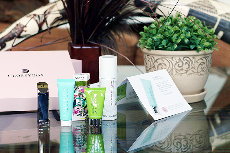 Glossybox May 2015 review by style blogger AnnRobieFashion