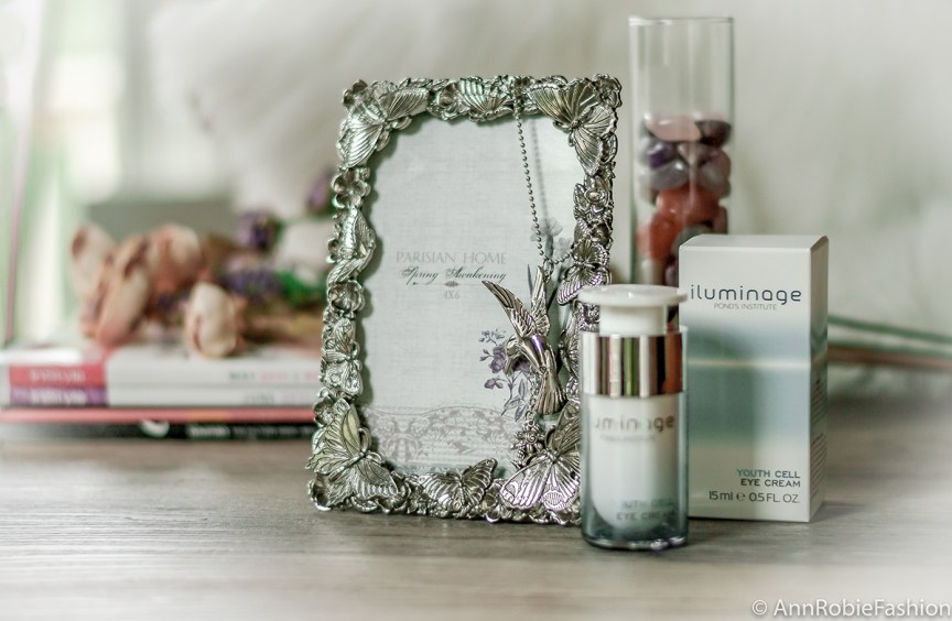Iluminage Youth Cell Eye Cream - beauty review by style blogger AnnRobieFashion