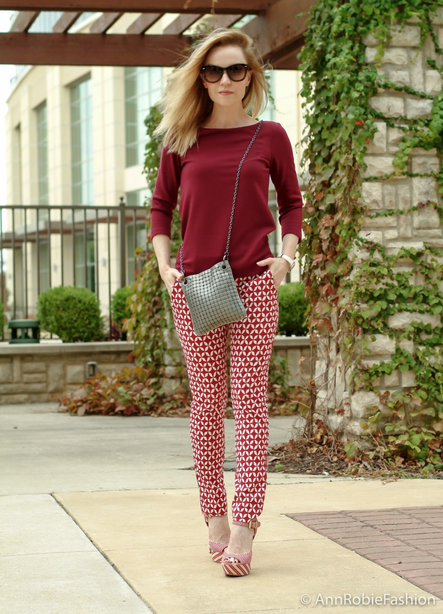 How to wear printed pants if you are short style tips by petite style blogger AnnRobieFashion: burgundy top Ann Taylor, red and white printed pants LOFT, platform sandals JessicaSimpson