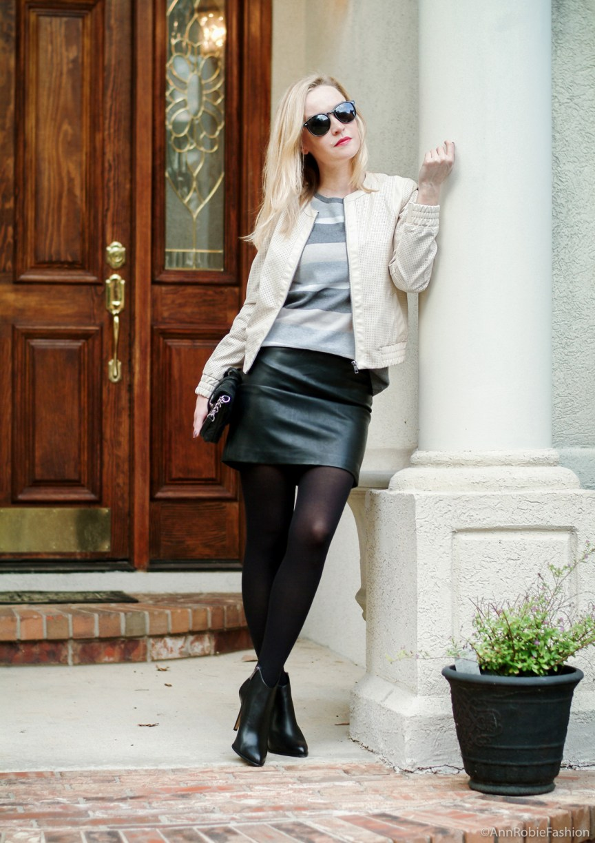 Casual outfit for fall: Jacket Ann Taylor, black short leather skirt Forever 21, black leather heels Vince Camuto - casual outfit by petite style blogger AnnRobieFashion