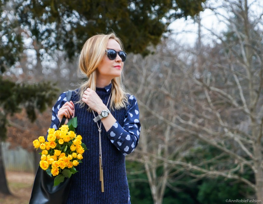 Office chic: Navy blue heart print shirt AnnTaylor, blue chunky sleeveless sweater Ann Taylor, skinny pants LOFT, ankle boots Vince Camuto - outfit by petite style blogger AnnRobieFashion