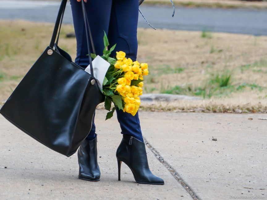 Office style: skinny pants LOFT, ankle boots Vince Camuto - outfit by petite style blogger AnnRobieFashion
