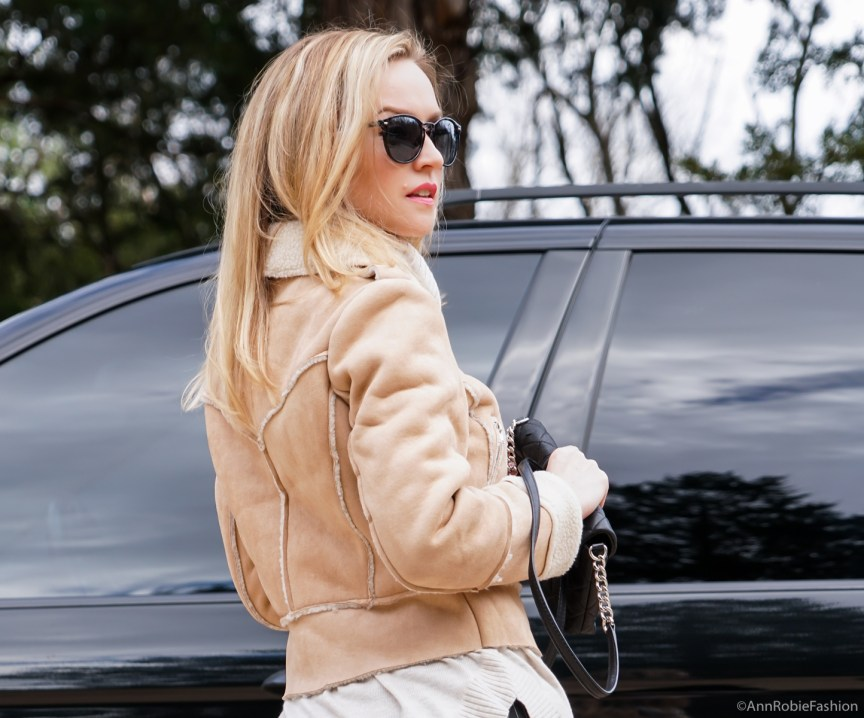 How to wear with apricot beige coat with a zipper - outfit idea by petite style blogger AnnRobieFashion