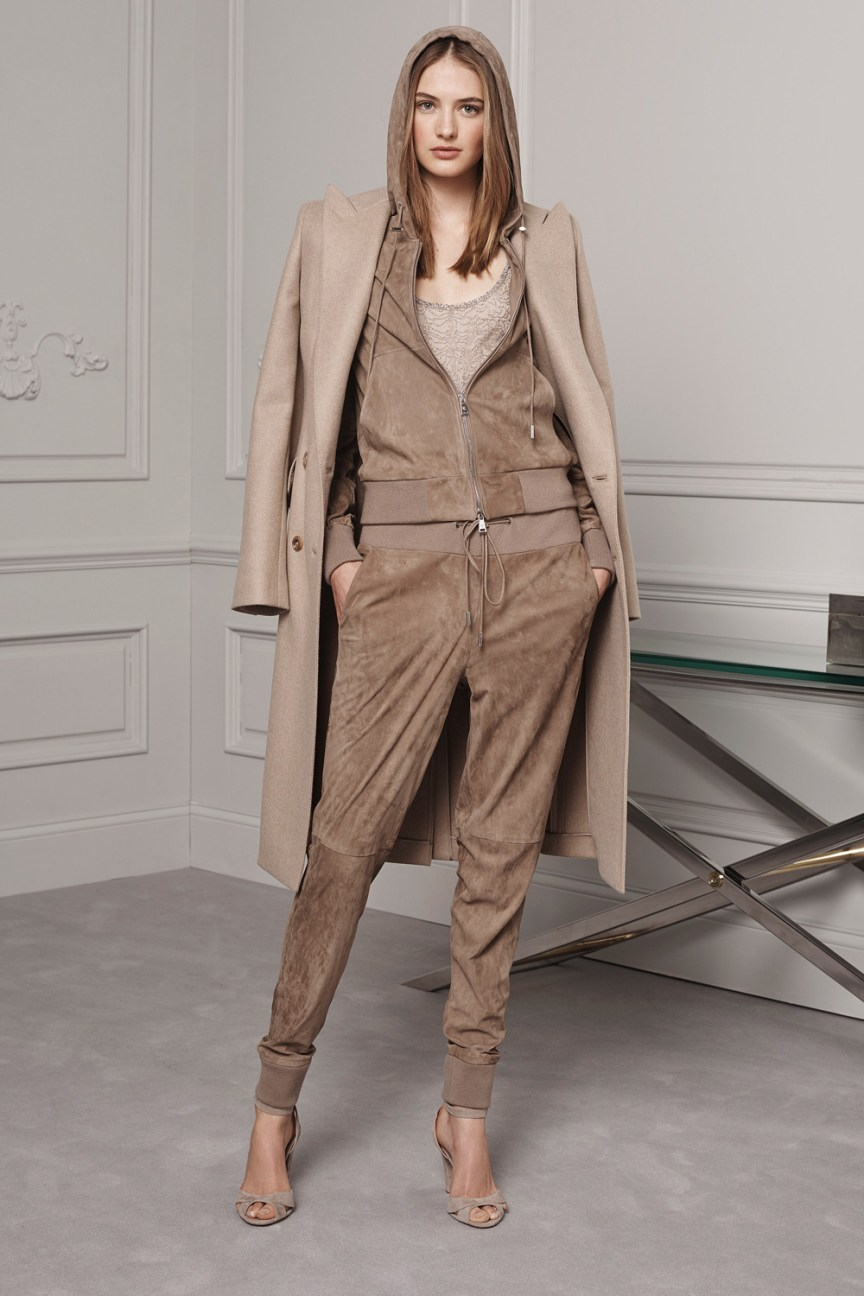 Ralph Lauren Pre-Fall 2016 Lookbook; pastel, beige pants, beige sweatshirt, beige coat