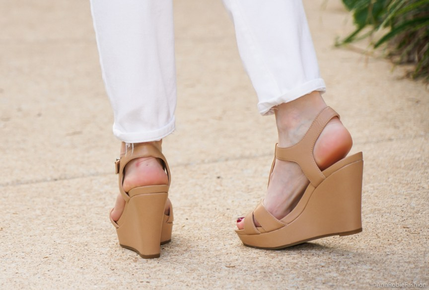 white boyfriend jeans, tan wedges Gianni Bini - casual outfit by petite style blogger AnnRobieFashion