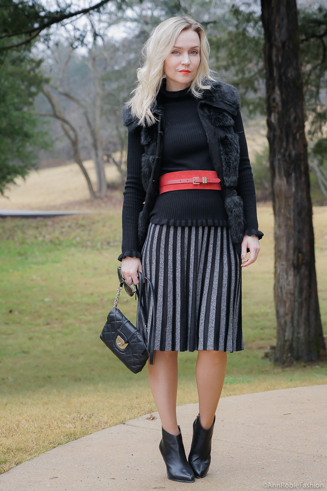 Winter color trend: Total Black With Red Suede Belt