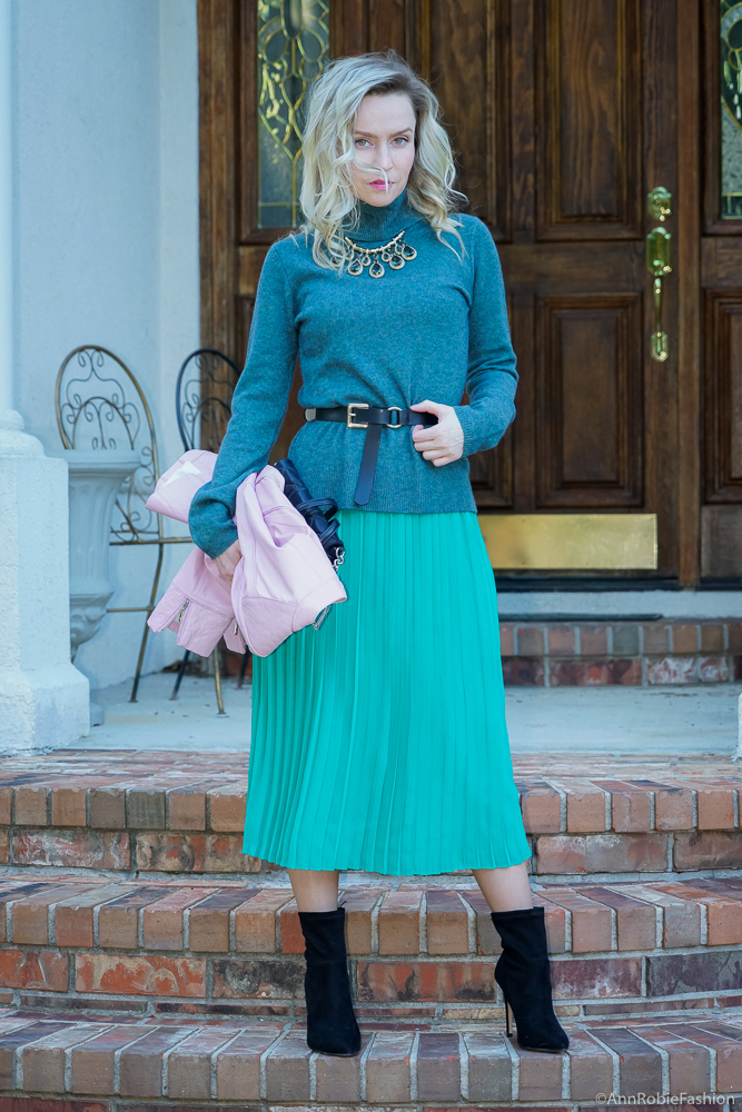 Turquoise & Green For Spring: Turquoise turtleneck sweater, green midi skirt, lilac leather jacket - outfit by petite style blogger AnnRobieFashion