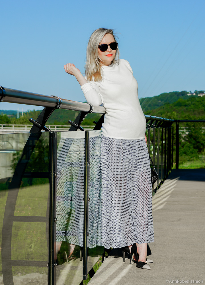How to dress your baby bump: White mock neck sweater, pleated maxi skirt - outfit by petite style blogger AnnRobieFashion