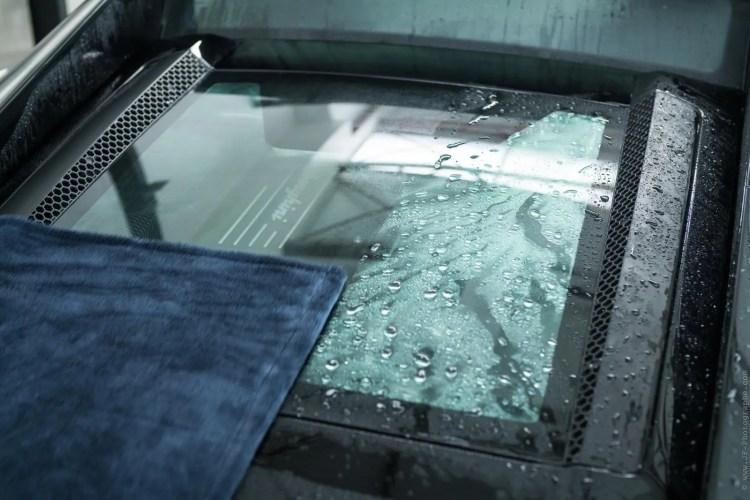 traitement anti pluie sur voiture