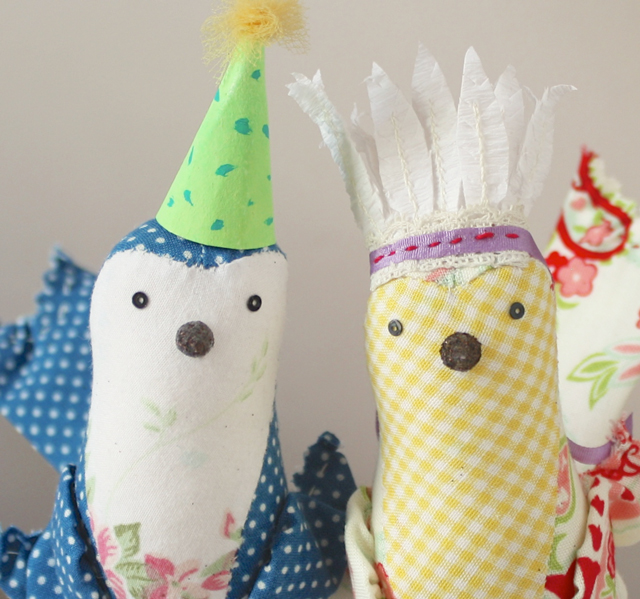 party hat birds
