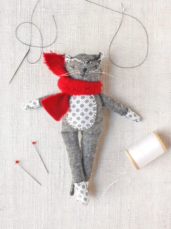 mr. socks sewing kit