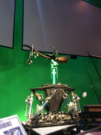 And this is how they simulated flying on broomsticks. A video played behind these displays showing how much work was involved in filming the Quidditch matches. They'd first have to make an animation of what they wanted the action to be like, then get the actors in front of the green screen, then add special effects and CGI around them, then mix the animation images with the actor images to get the perfect sequence, and sometimes go back through the process if things changed... Wow, right?!