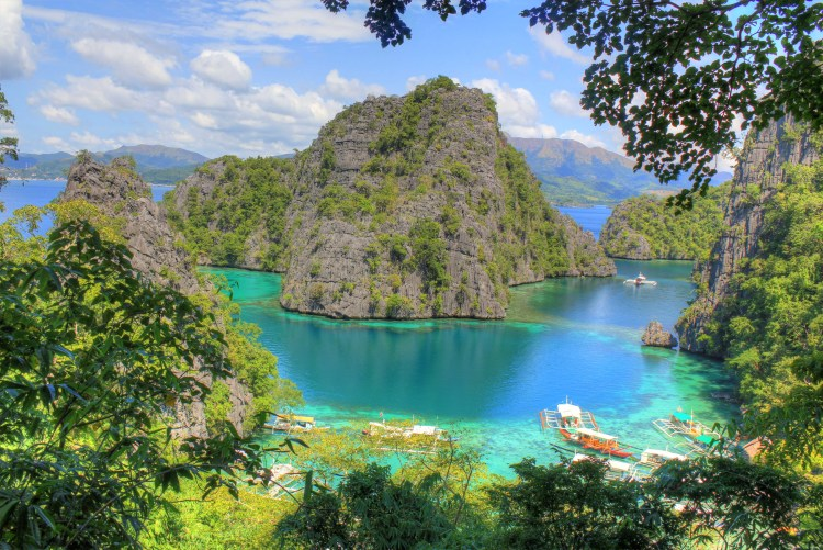 Coron, Philippines. Image via Never Ending Footsteps.