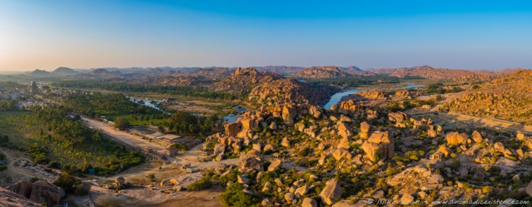 Views of the sprawling ruins of Hampi - just unbelievable!