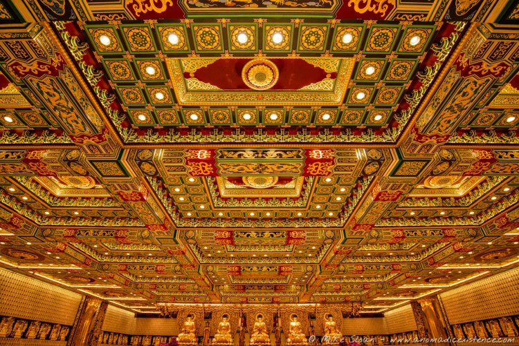 How spectacular is The Great Hall of Po Lin Monastery?!