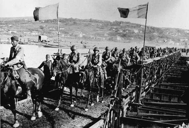 Cavaleria romana trece Nistrul iulie 1941