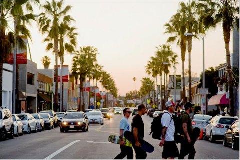 http://belljarintern.blogspot.com/2012/06/best-of-west-alexis-bittar.html