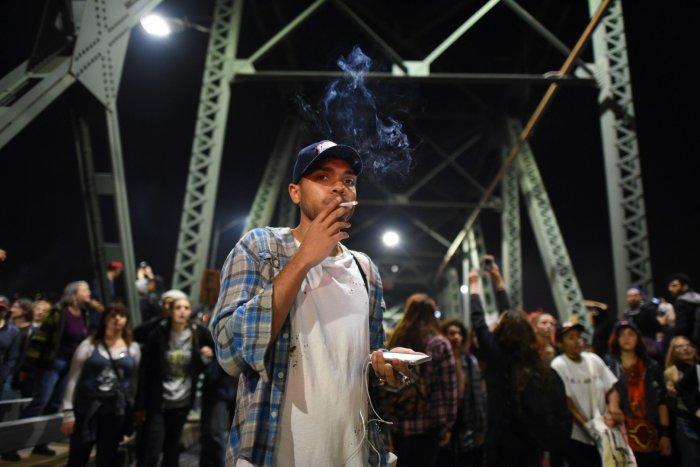 Грегъри Маккелви, организатор на негърските протести на Сорос в САЩ, на бунтове срещу избора на американците за президент на Тръмп