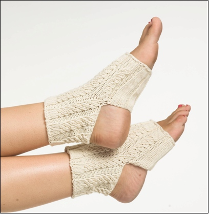 Knit-Cable-Yoga-Socks