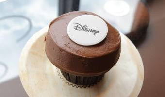 """Sprinkles Famous Cupcake """"ATM"""" Coming to Downtown Disney – #SprinklesDisney #SprinklesCupcakes"""