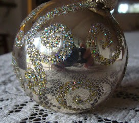 Fun, Easy Glitter Christmas Ornaments