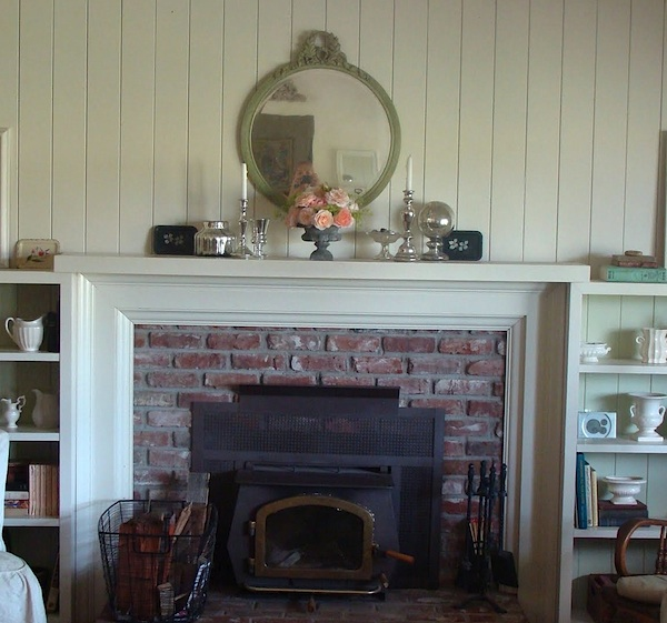 mantel wall with green mirror.6c