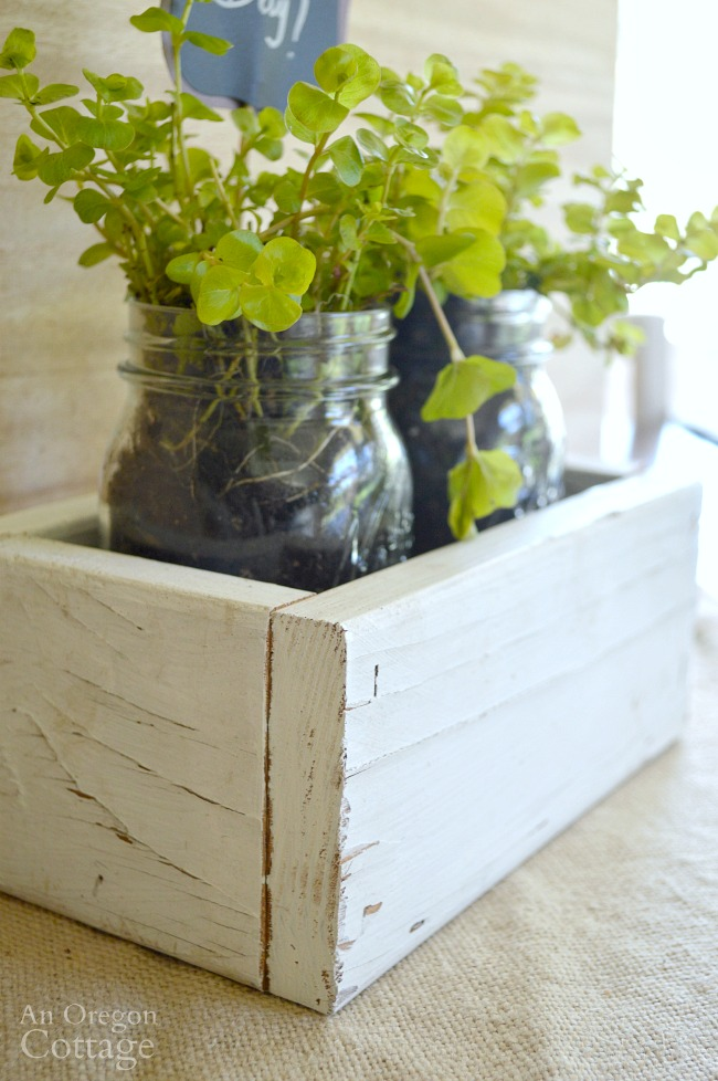 Upcycled garden: DIY Reclaimed Wood Box-Mason Jar Gift