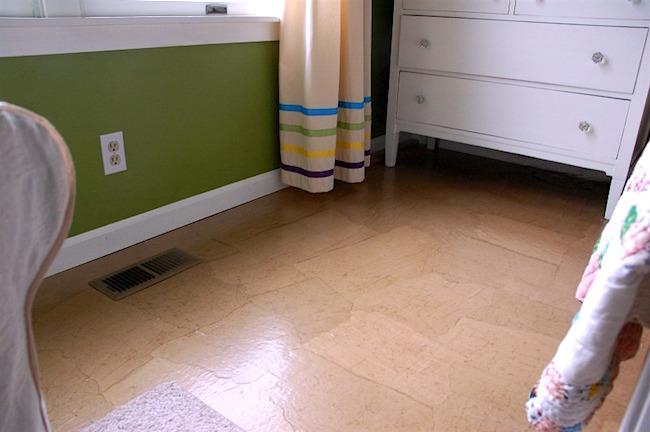 Brown paper floor in bedroom