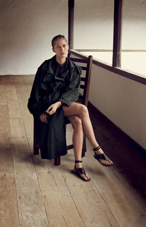 A Chic Black Sandal