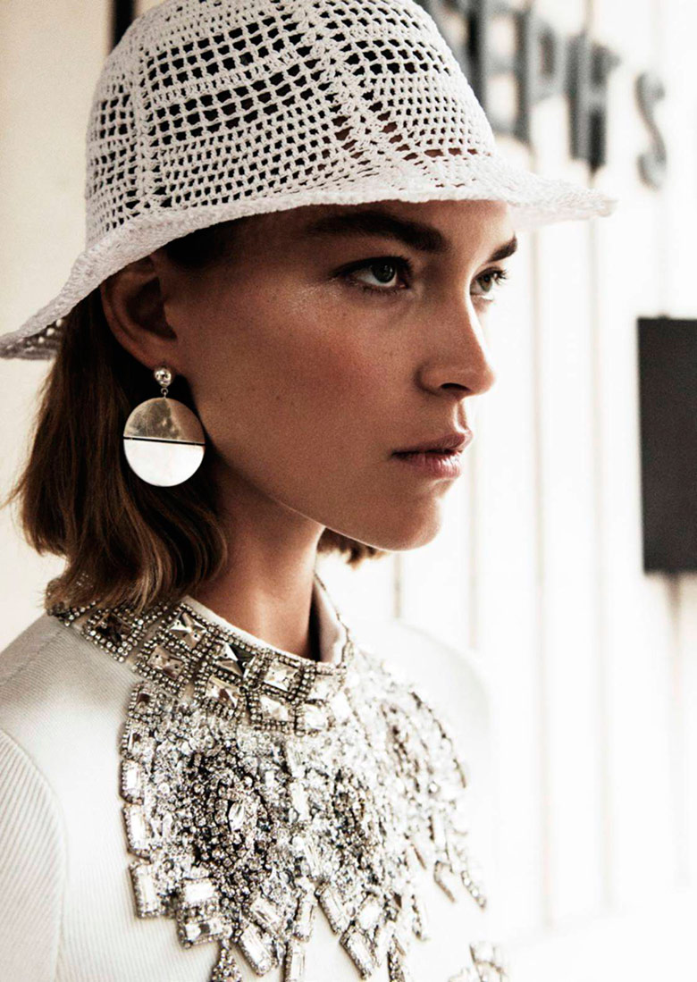 Slick and Chic In Vogue Paris