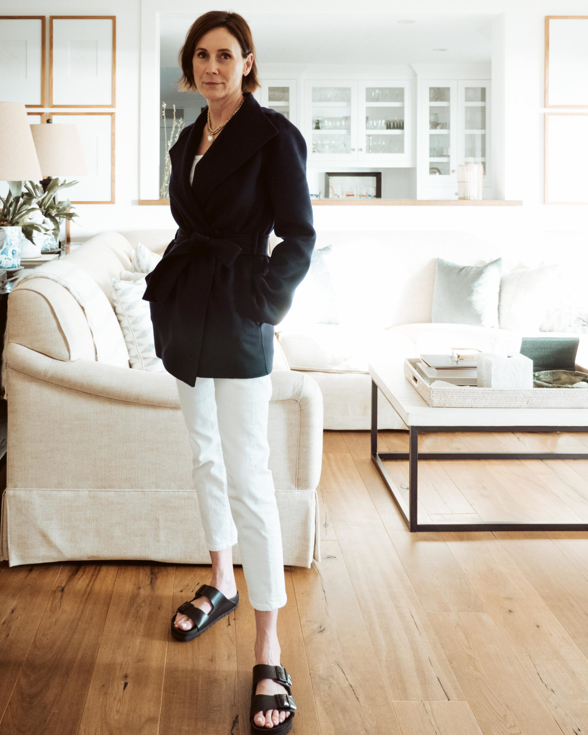 JACKETS AND  WHITE JEANS – THE PERFECT SPRING PAIRING