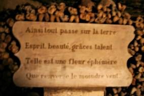 paris-catacombs-3-monument