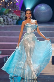missuniverse-pageant-20121220-2