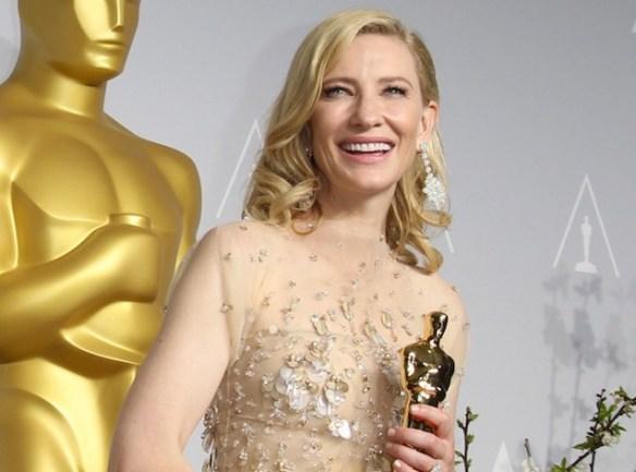 Photos-Oscars-2014-Cate-Blanchett-triomphante-sur-scene-et-sur-tapis-rouge_reference