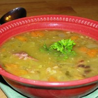 Easy Peasy Split Pea Soup with Ham Bone in the Crock Pot