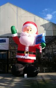 inflatable santa at lowe's