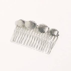 Free People Shell Hair Comb ($16)