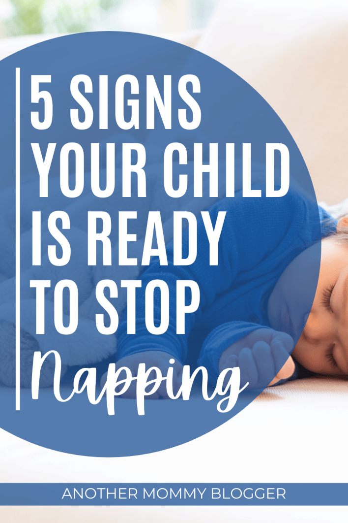 When do kids stop napping? Learn these five signs your child doesn't need a nap anymore. #toddler #parentinghacks