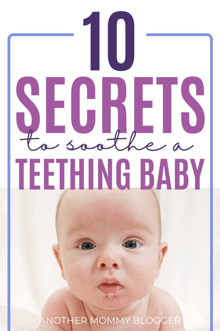 Use these easy teething baby remedies to soothe a fussy baby that's cutting teeth. #babytips