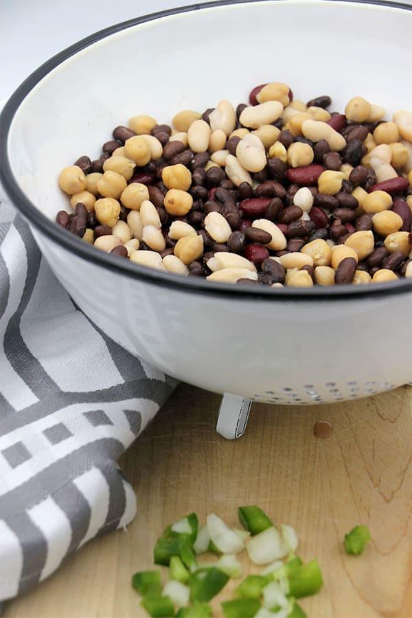4-bean chili caulfcarne beans.