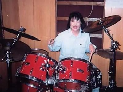 高市早苗,若い頃,ヘビメタ,ドラム