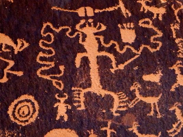 Newspaper Rock petroglyphs, Utah