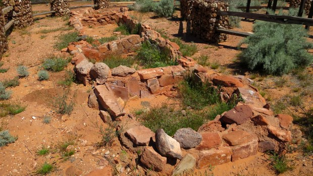 Ancestral Puebloan living and storage rooms ca. 900-1250 AD, Anasazi Trail, Red Cliffs National Conservation Area, Utah