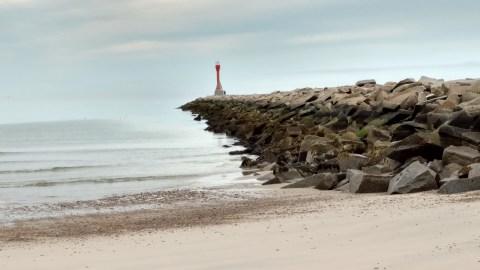 04082019 - Disappearing Horizon Scusset Beach Lighthouse
