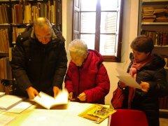 Helga Feldner con Aldo Chiavari presso l'Archivio di Villa Giustiniani Bandini