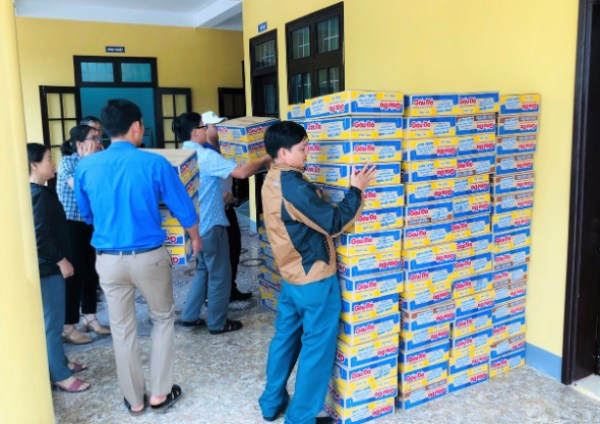luu ban nhap tu dong 6797 - An Phat Holdings gives 3 tons of goods to the Quang Tri people affected by floods