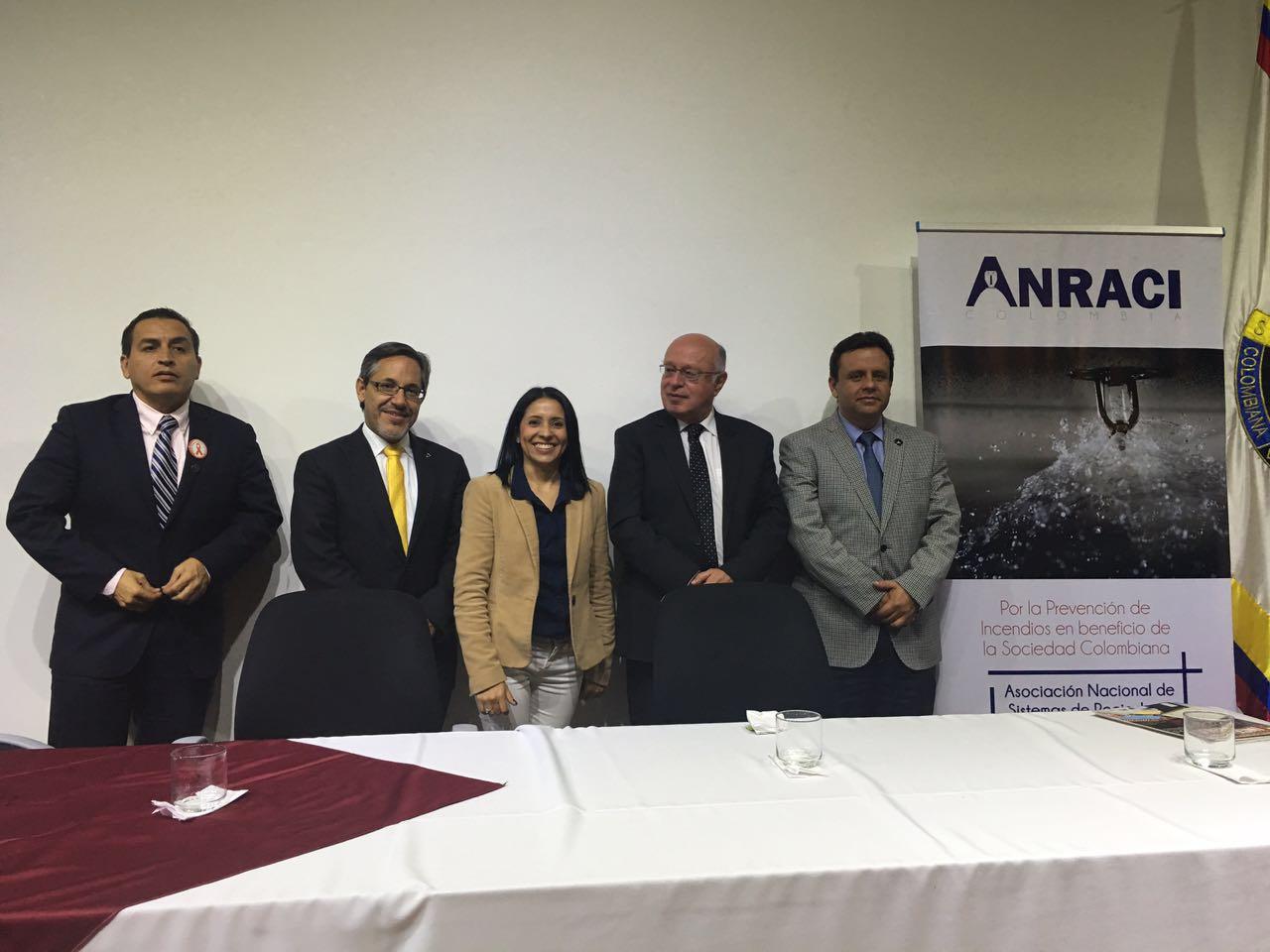 Entrevista al Capitán Germán Andrés Miranda, Director Nacional de los Bomberos de Colombia
